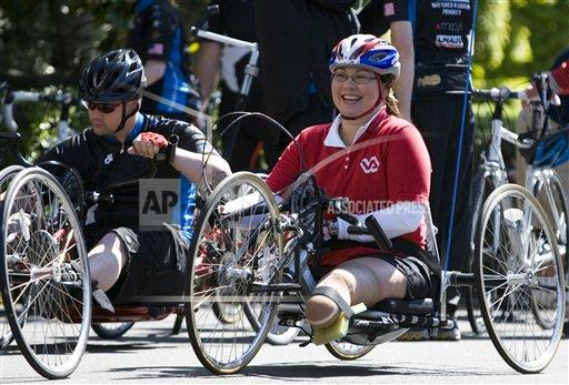 2010 Tammy Duckworth at Wounded Warrior Soldier Ride.  Credit:  AP Photo by Manuel Balce Ceneta